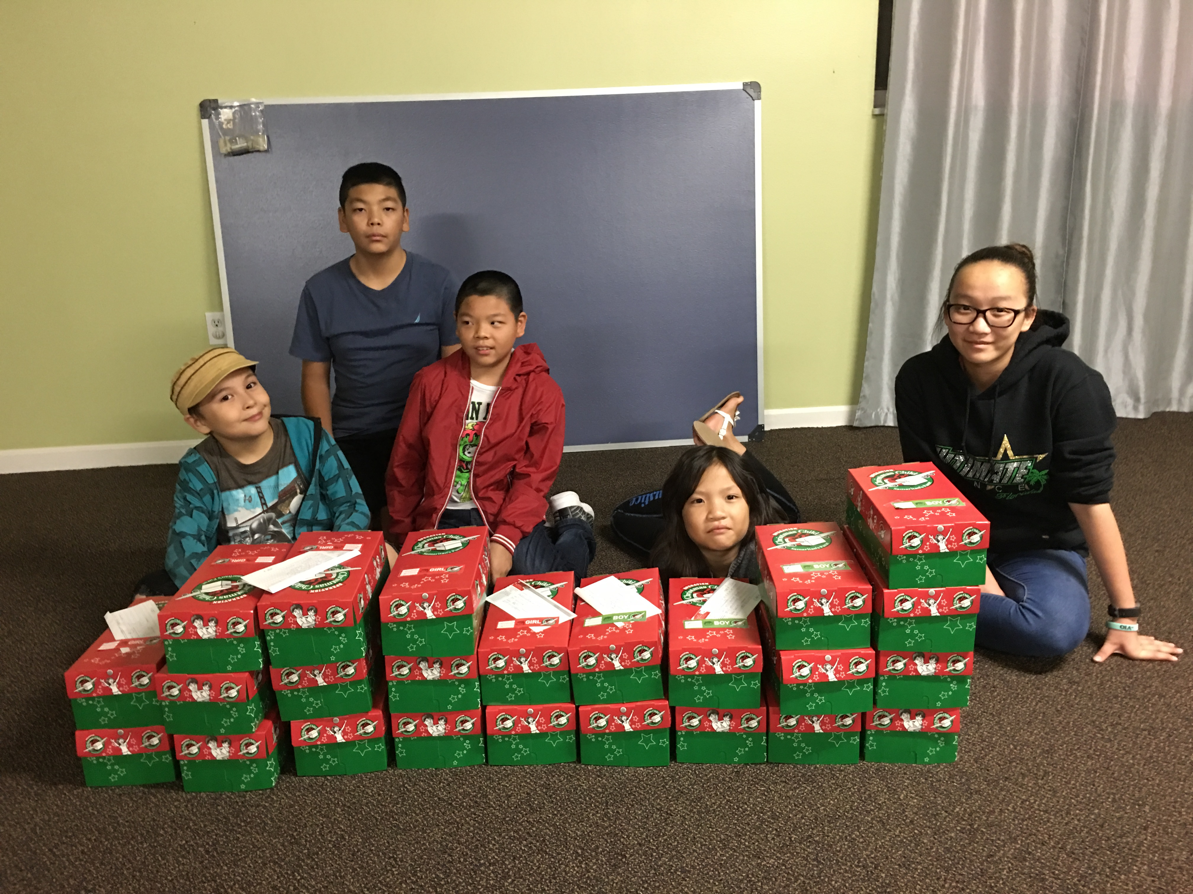 MCCMAC Picture 11-16-18 Operation Christmas Child Shoe Boxes (2)